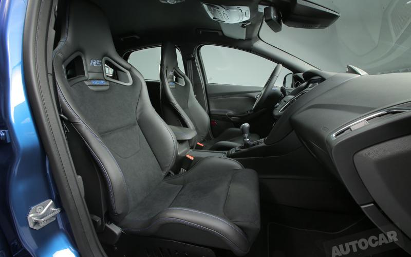 new ford focus rs with four wheel drive and power over 320. Black Bedroom Furniture Sets. Home Design Ideas